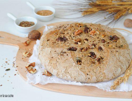 Pane ai cereali con noci e semi misti