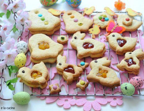 Biscotti di Pasqua ripieni di marmellata