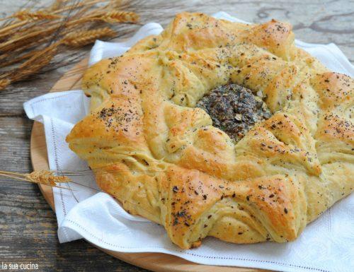 Girasole di pane con semi e parmigiano