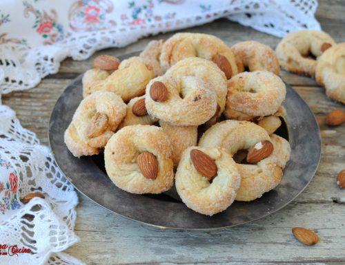 Biscotti ciambelline con lievito madre