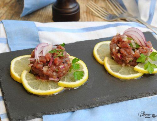 Tartare di tonno con cipolla