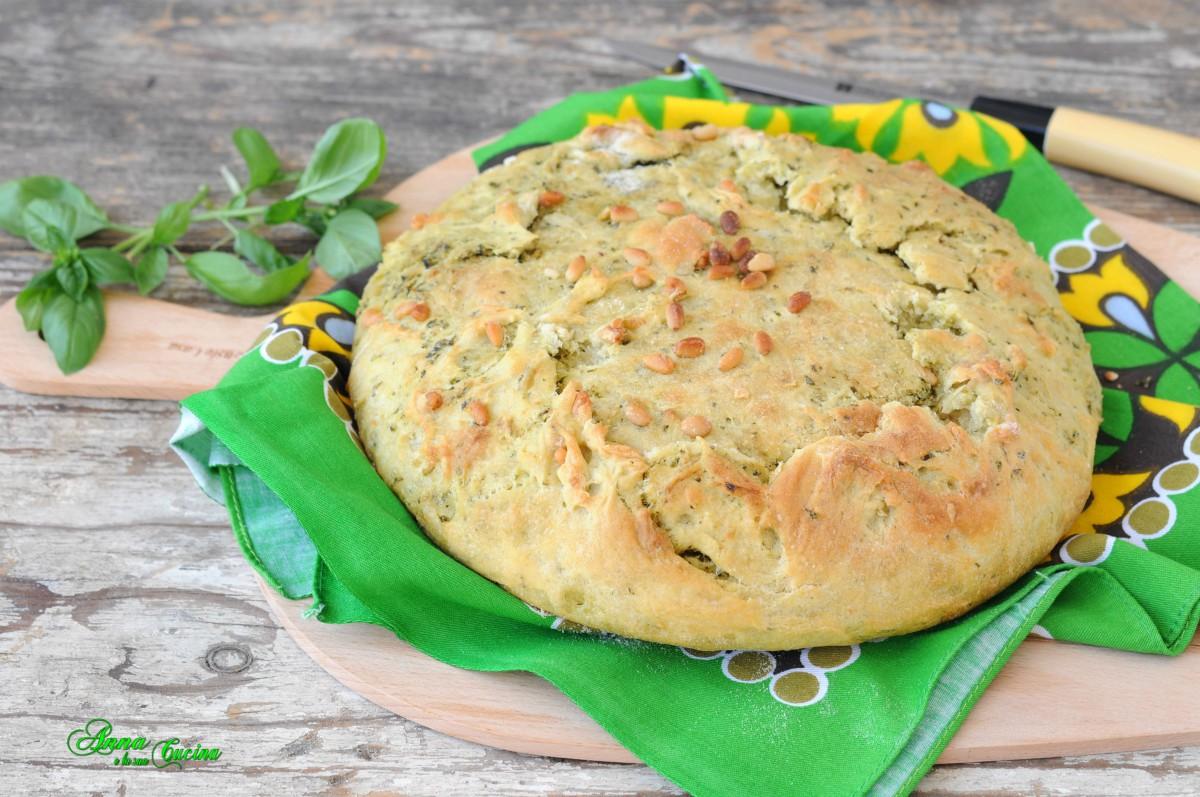 Pane al pesto di basilico e pinoli