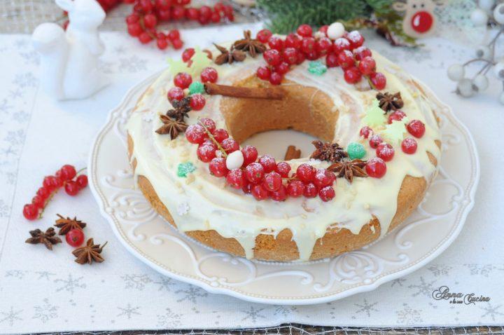 Ciambella natalizia con cioccolato e ribes
