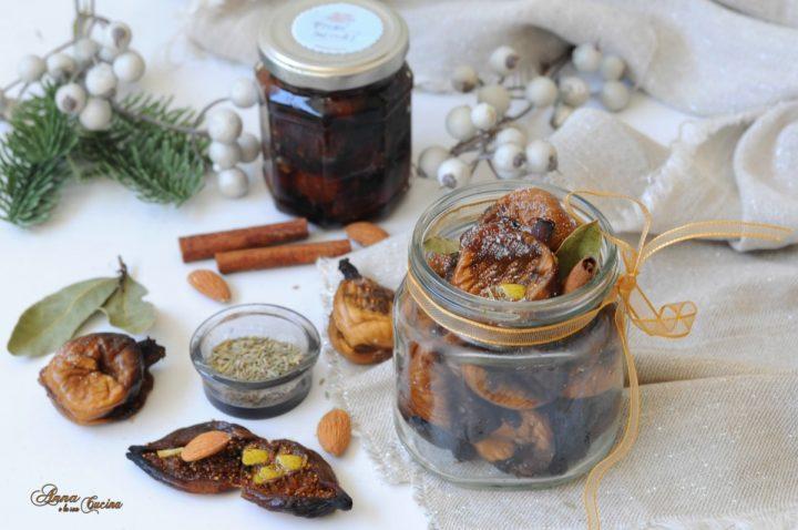 Fichi secchi ripieni di mandorle e aromi
