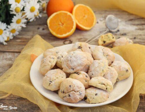 Biscotti profumati all'arancia e cioccolato