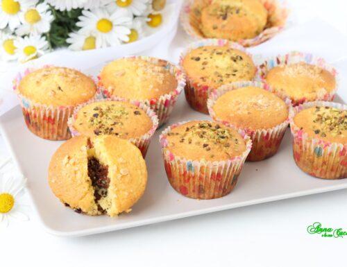 Muffin con crema nocciola e pistacchio