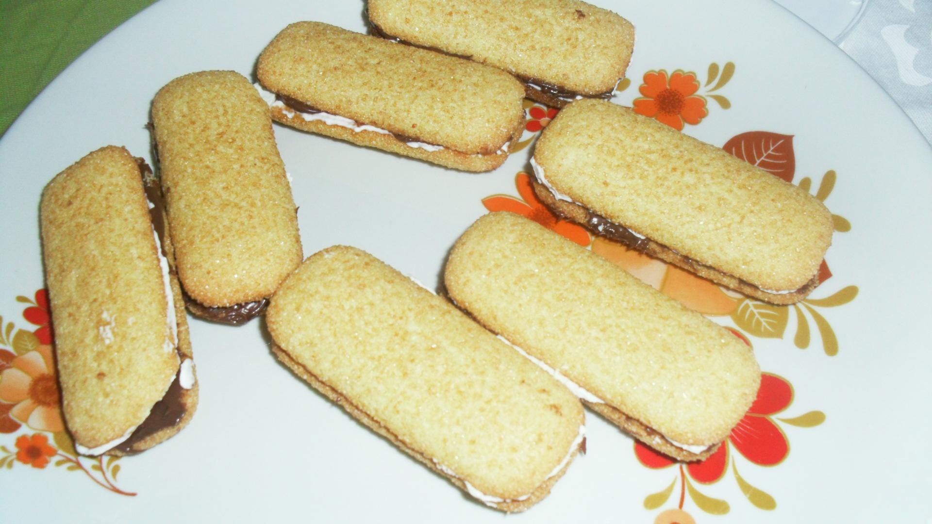 anna nutella Jeg vil gerne introducere jer til en sundere kokos nutella fyldt med kokos og smagt til med salt, kakao og sødet med dadler find den nemme opskrift her.