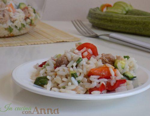 Insalata di riso alle verdure e tonno