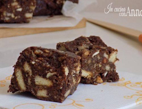 Quadrotti croccanti al cioccolato – ricetta golosa,semplice,senza forno