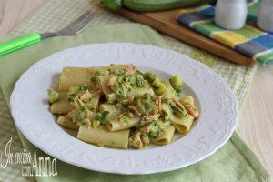 paccheri con crema di zucchine e salmone