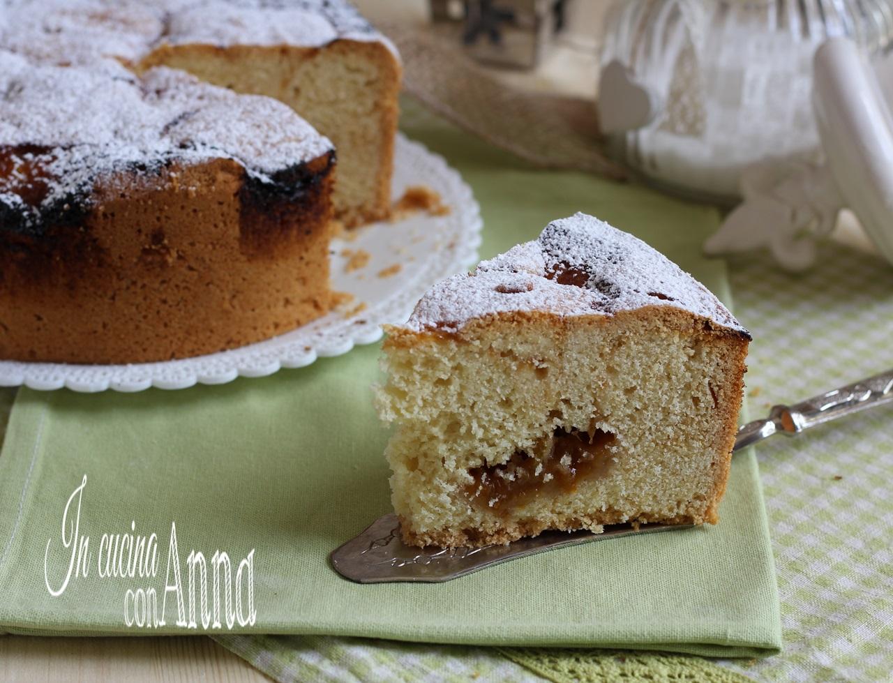 torta nua alla marmellata