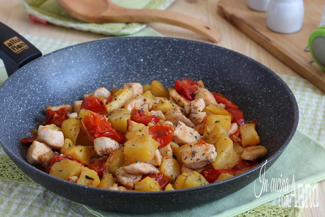 Pollo con patate alla mediterranea