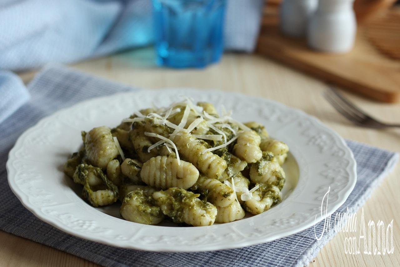 Gnocchi con Crema di Broccoli e Parmigiano