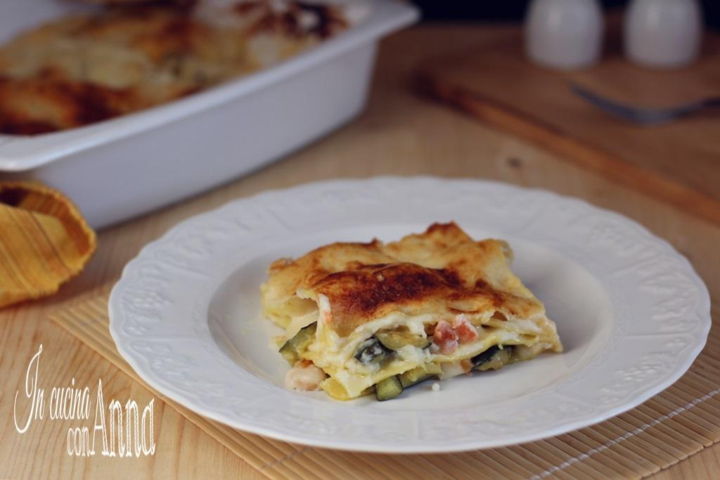 Lasagna cremosa zucchine,gamberetti e salmone