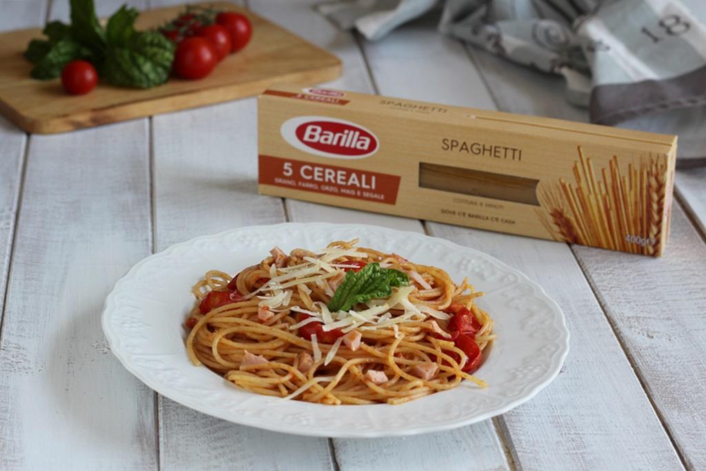 Spaghetti ai 5 Cereali Pomodorini e Prosciutto