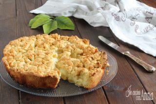 Crostata morbida alla crema e mele