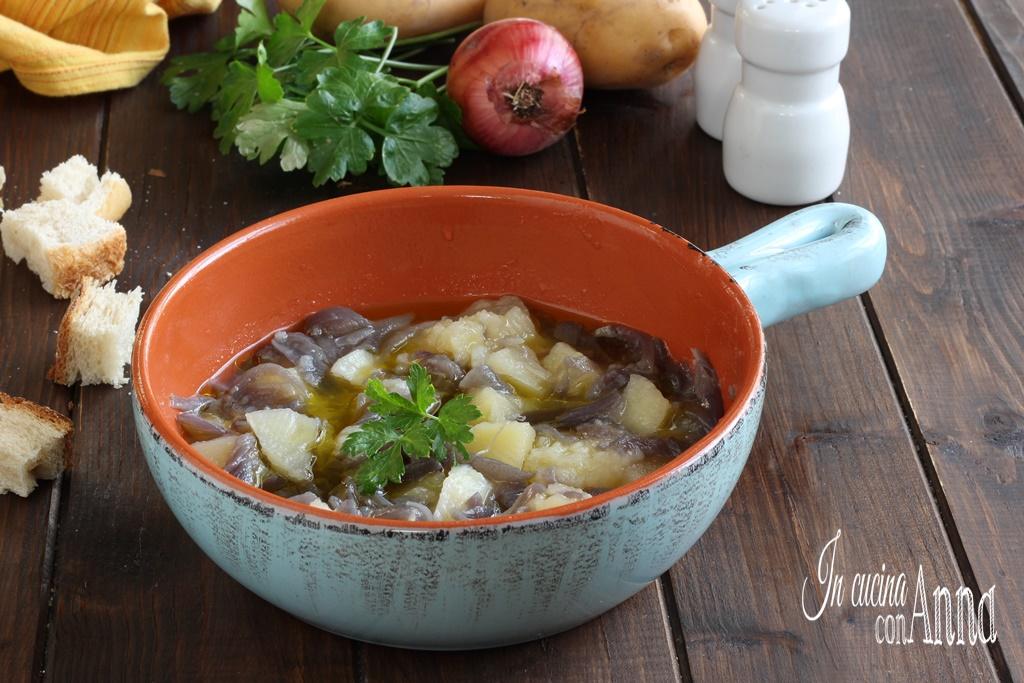 Zuppa di patate e cipolle