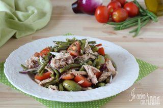 Insalata di fagiolini, pomodori e tonno