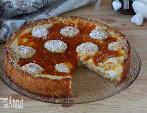 Crostata con crema di ricotta e marmellata