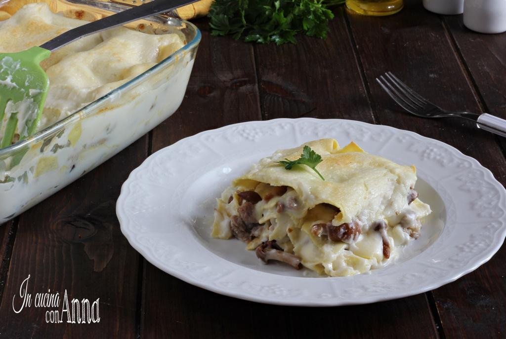 Lasagna cremosa funghi e salsiccia