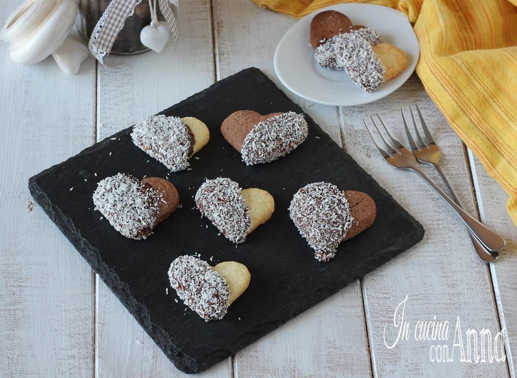 Cuori glassati con cioccolato e cocco