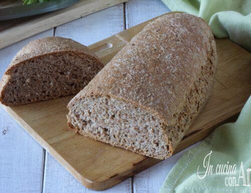 Pagnotta di pane integrale