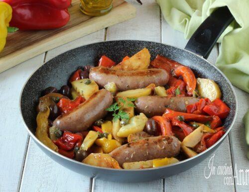 Salsiccia con patate e peperoni alla Siciliana