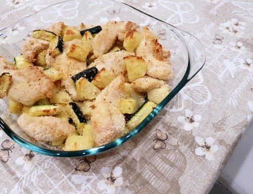 Pollo con zucchine e patate al forno