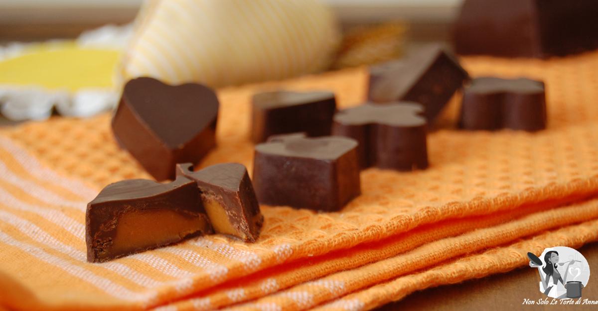 Cioccolatini ripieni con crema mou