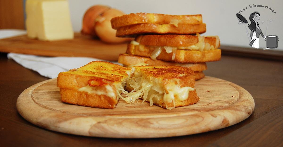 Toast di  cipolla caramellata al forno