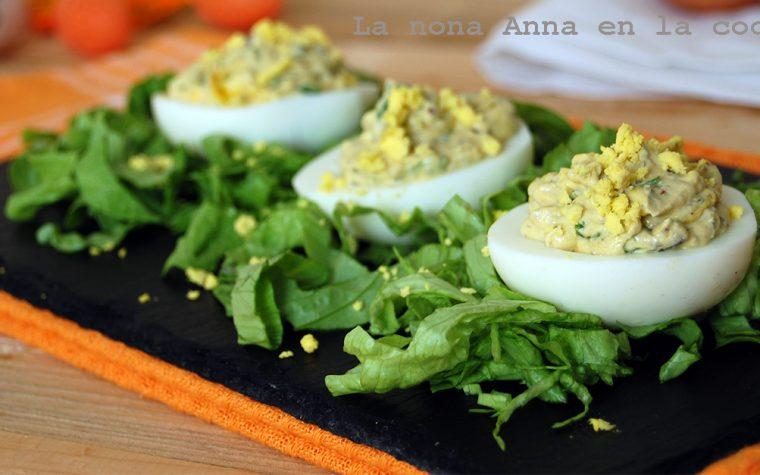 Huevos rellenos con mousse