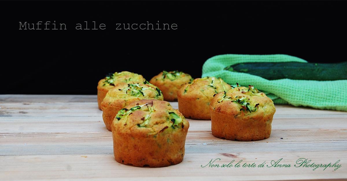 Muffin salati con zucchine e formaggio