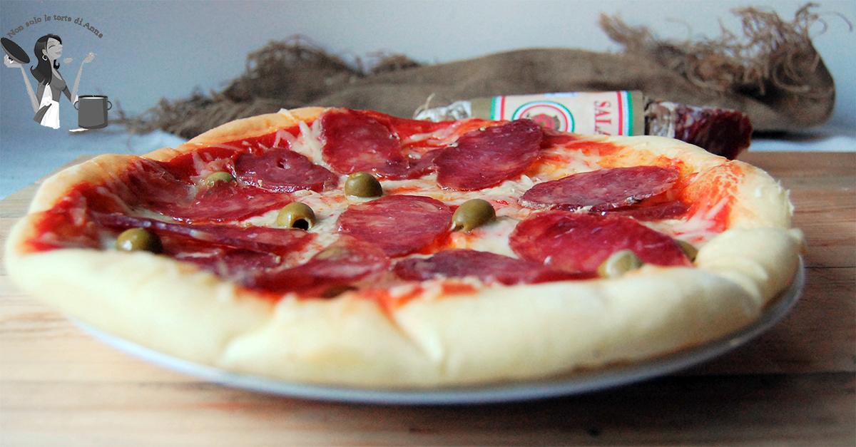 Pizza con lievitazione naturale pizza home made for Pizza con planetaria