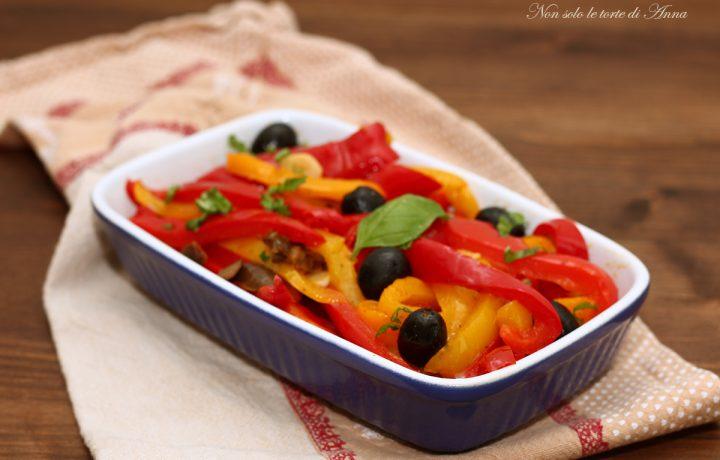 Peperoni in padella olive e alici