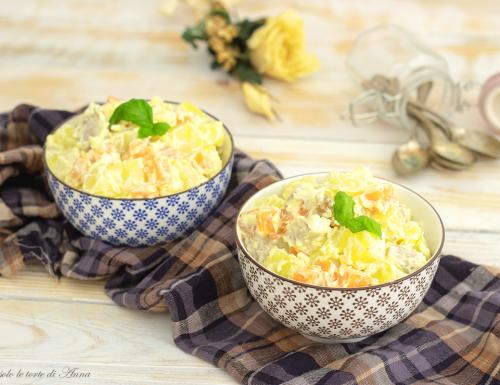 Insalata di pollo con maionese e verdure