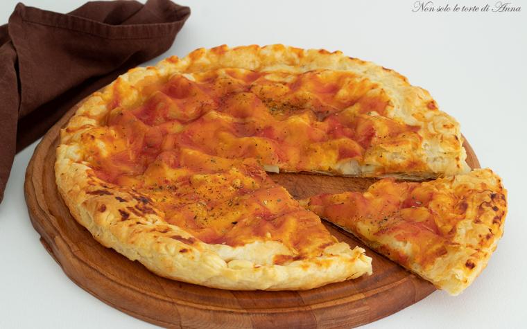 finta pizza di sfoglia ripiena