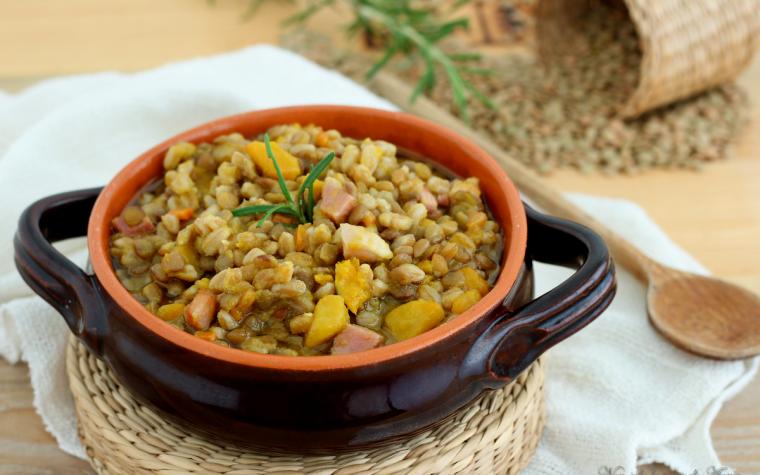 Zuppa farro e lenticchie con zucca