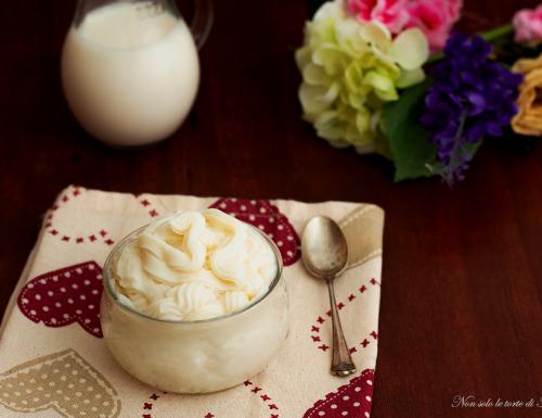 Crema al latte e ricotta