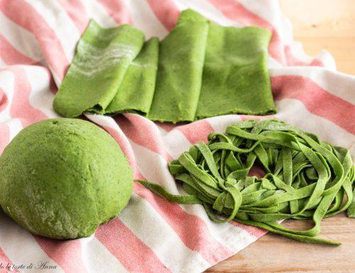 Tagliatelle di spinaci fatti in casa