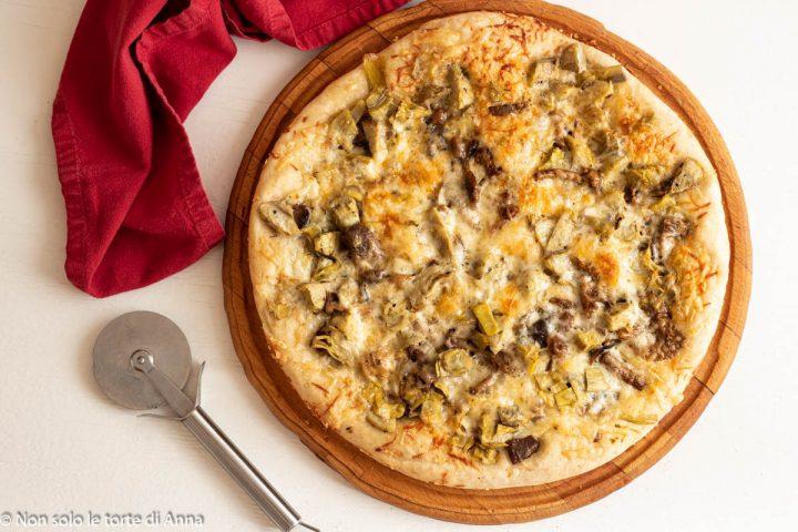 pizza bianca carciofi e funghi