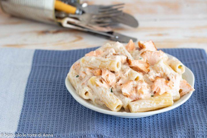 pasta cremosa al salmone fresco