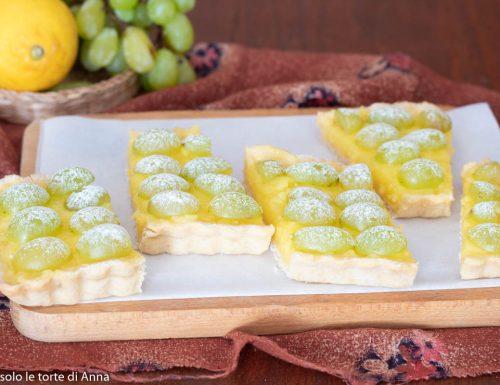 Crostata crema al limone e uva