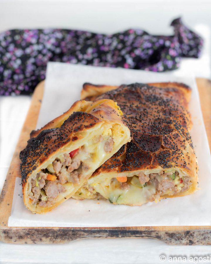 rustico salsicce formaggio e verdure