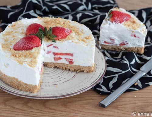 Torta fredda fragole e ricotta