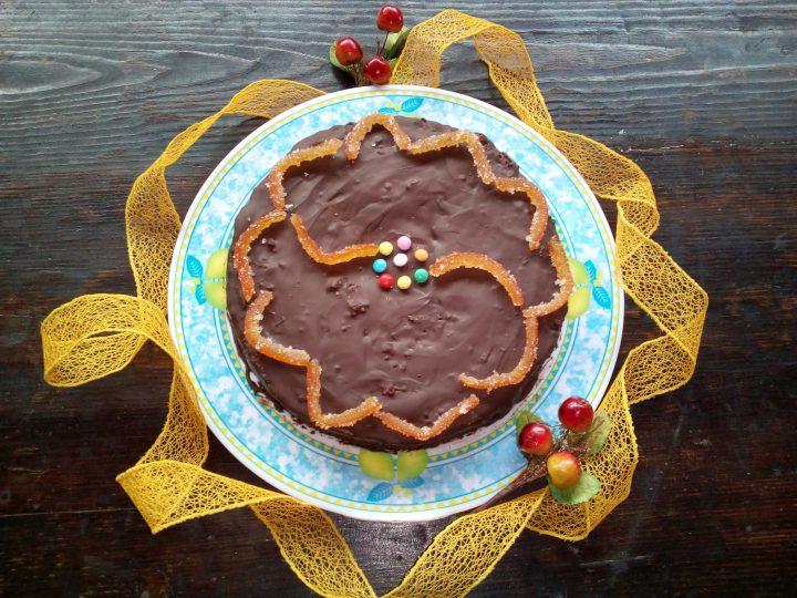 Torta al cioccolato soffice e profumata