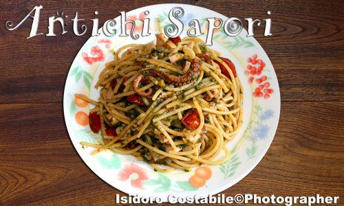 Spaghetti risottati con sugo di polpo.