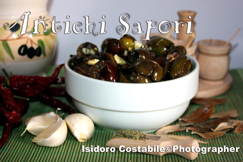 Olive sott'olio alla paesana.