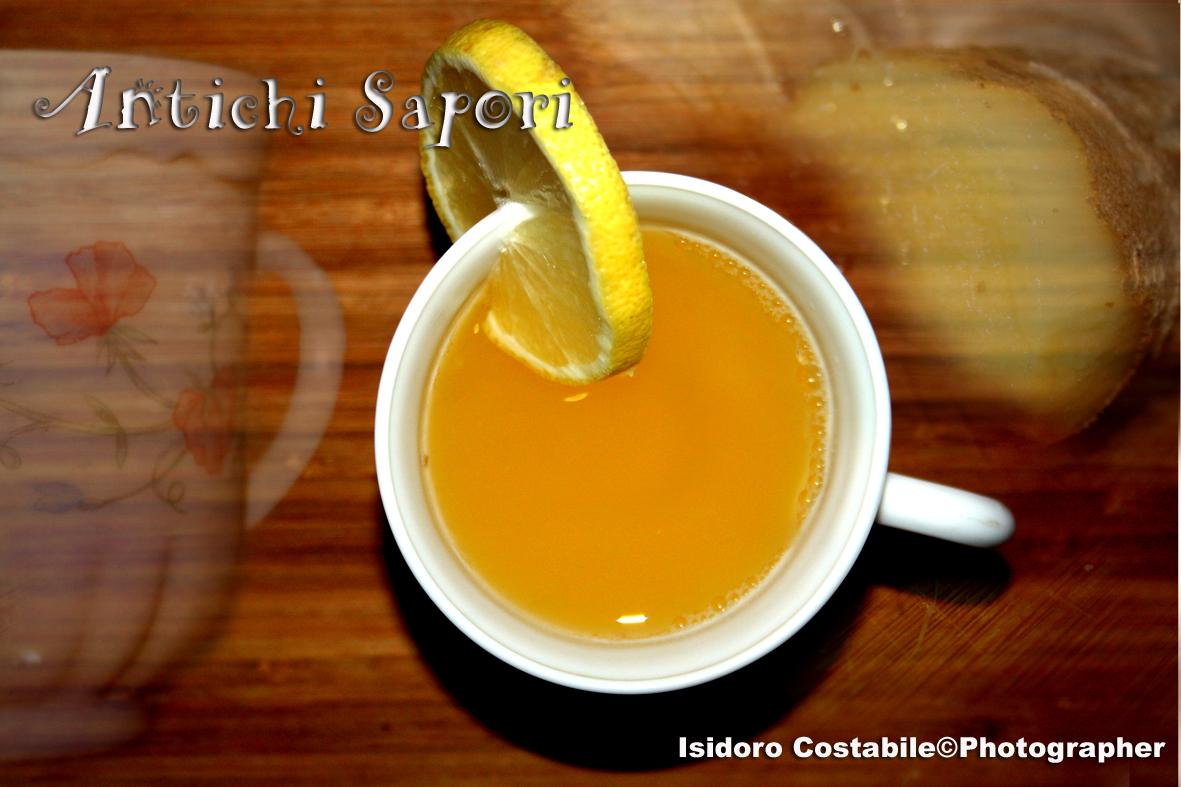 Tisana di limone, miele e zenzero.
