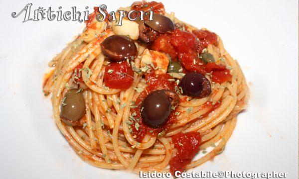La ricetta degli spaghetti alla puttanesca.