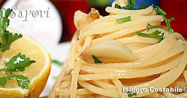Spaghetti con colatura di alici di Cetara.